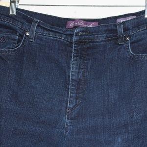 Gloria Vanderbilt Woman's Jeans size 16